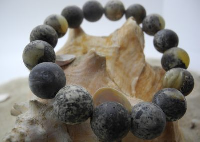 Natural Baltic black color round amber beads bracelet BRA09