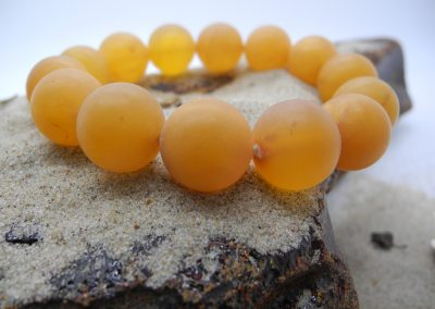 Natural Baltic round unpolished amber beads bracelet BRA10