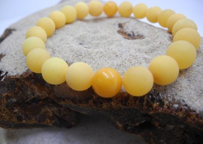 Natural Baltic unpolished round beads bracelet BRA14