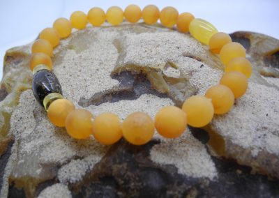 Natural Baltic round amber beads bracelet BRA18