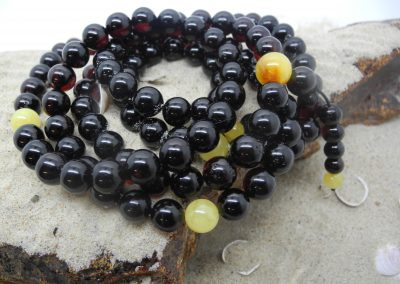 Natural Baltic amber Buddhist rosary RO01