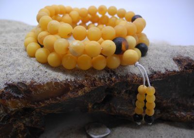 Natural Baltic amber Buddhist rosary RO07